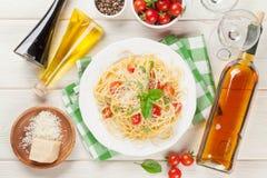 Spaghetti pasta and white wine Stock Photos