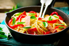 Spaghetti with pepper and ham Royalty Free Stock Photos