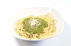 Spaghetti with pesto genovese Royalty Free Stock Photos