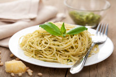 Spaghetti with pesto sauce Stock Photography