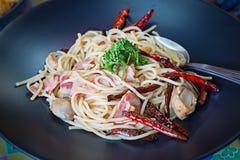 Spaghetti pieczarki i baleron Fotografia Royalty Free