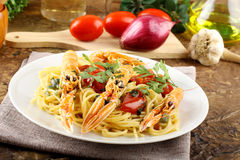 Spaghetti with prawns Royalty Free Stock Images