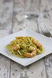 Spaghetti with Prawns and Pesto Royalty Free Stock Photos