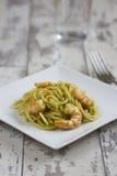 Spaghetti with Prawns and Pesto Royalty Free Stock Photos