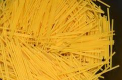 Spaghetti rotti fotografie stock libere da diritti