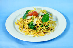 Spaghetti with salmon and spinach Royalty Free Stock Photo