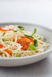 Spaghetti sautéed con le verdure immagine stock libera da diritti