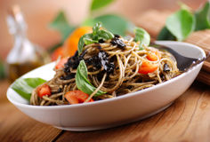 Spaghetti with squid ink Royalty Free Stock Photography