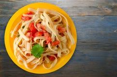 Spaghetti su un piatto Immagine Stock Libera da Diritti