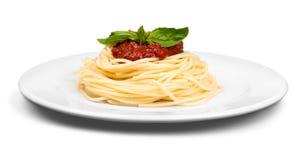 Spaghetti sulla vista superiore del piatto con il percorso di ritaglio Immagine Stock Libera da Diritti