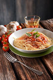 Spaghetti with tomato sauce with parmesan cheese and basil Stock Photography