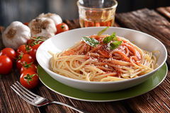 Spaghetti with tomato sauce with parmesan cheese and basil Royalty Free Stock Photos