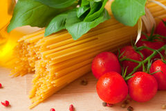 Spaghetti and tomatoes Royalty Free Stock Photo