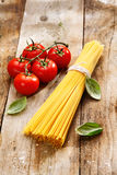 Spaghetti and tomatoes with copyspace Royalty Free Stock Photography