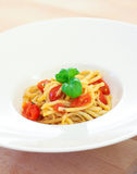 Spaghetti wit tomato and basil Royalty Free Stock Images