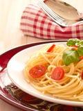 Makaron z świeżymi pomidorami zdjęcia royalty free