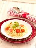 Makaron z świeżymi pomidorami obrazy royalty free