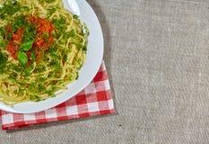 Spaghetti z kumberlandem obraz stock
