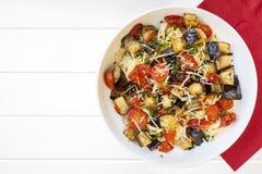 Spaghetti z oberżyną i Czereśniowymi pomidorami Zdjęcia Royalty Free