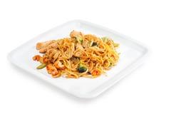 Spaghetti z owoce morza, mięsem i warzywami Zdjęcia Royalty Free