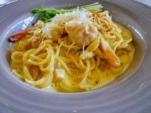 Spaghetticabonara met garnalen Stock Fotografie