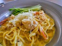 Spaghetticabonara met garnalen Royalty-vrije Stock Fotografie