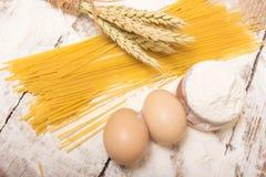 Spaghettideegwaren stock fotografie