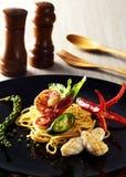 Spaghettimeeresfrüchte stockfotografie