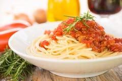 Spaghettis mit Ragout Stockbild