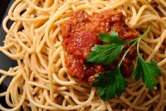 Spaghettis mit Soße Stockfotografie