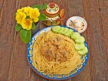 Spaghettis mit Soße und Fleisch Stockfoto
