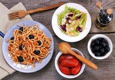 Spaghettis mit Soße von Bolognese Lizenzfreie Stockbilder