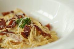 Spaghettis mit Speck Lizenzfreies Stockfoto