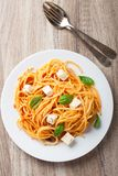 Spaghettis mit Tomatensauce Lizenzfreie Stockbilder