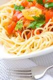 Spaghettis mit Tomatensauce - Teigwaren- und Italienerkücherezepte redeten Konzept an lizenzfreies stockfoto