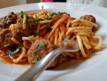 Spaghettis und Fleischklöschen Lizenzfreie Stockfotos