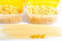 Spaghettis und Makkaroni stockfotos