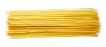 Spaghettiteigwaren auf Weiß, von oben Lizenzfreie Stockfotos