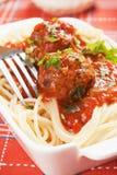 Spaghettiteigwaren und -fleischklöschen Stockfotos
