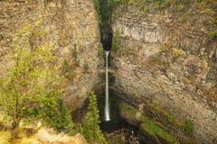 Spahats f?llt in Wells Gray Provincial Park, Britisch-Columbia, Kanada lizenzfreies stockbild