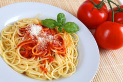 Spahgetti. A plate with spaghetti and tomato sauce Stock Photography