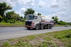 spain för bergpyrenees väg lastbil Arkivfoto