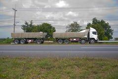 spain för bergpyrenees väg lastbil Royaltyfri Foto
