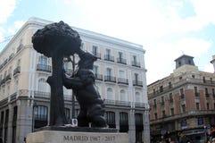 Spain Madrid Madri do símbolo da estátua da árvore do urso e de amoreira fotografia de stock royalty free