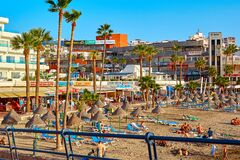 Free Spain, Tenerife, Adeje - December 17, 2018: Beach Straw Umbrellas At Sunset Landscape. Seaside Resort. Tourism And Travel. Stock Images - 172478234