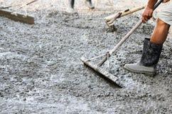 Spalmatori del cemento del lavoratore Immagini Stock Libere da Diritti