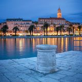Spalte nachts, Kroatien lizenzfreies stockfoto