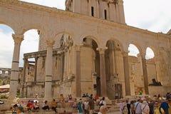 Spalte - Palast des Kaisers Diocletian lizenzfreies stockbild