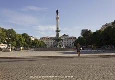 Spalte und Brunnen Pedros IV in Rossio quadrieren in Lissabon Stockfotos
