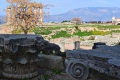 Spalten der korinthischen Bestellung in altem Korinth Stockbild